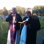 procesja-na-cmentarzu-2016-04