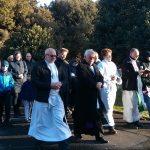 procesja-na-cmentarzu-2016